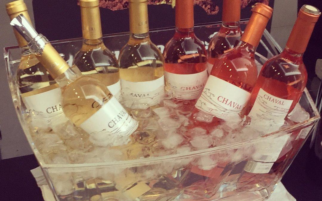 Cómo servir el vino durante una celebración